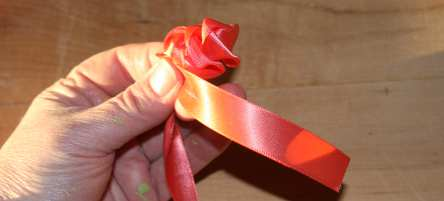 Pen craft cloth rose petals how to make kids craft mightylinksfo Images